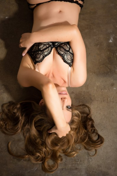 top orange county boudoir photography studio female photographer nicole caldwell boudoir