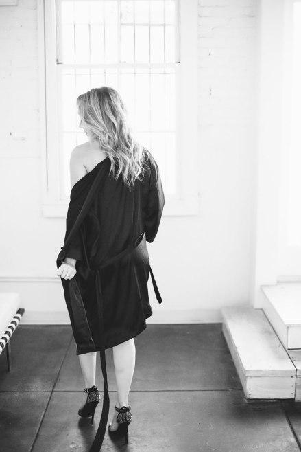 top orange county boudoir photography studio female photographer nicole caldwell boudoir natural light woman in robe