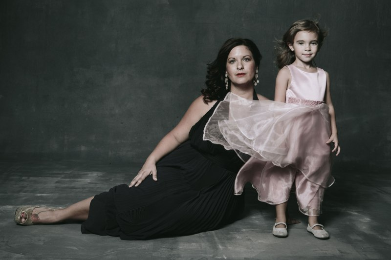 MOTHER-DAUGHTER-CLASSIC-PORTRAITS-NICOLE-CALDWELL2