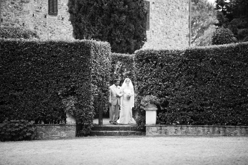 Tuscany_wedding_italy_destination_photographer_nicole_caldwell16