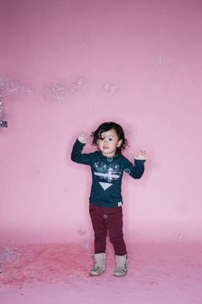 kids in bubbles photography studio nicole caldwell 02