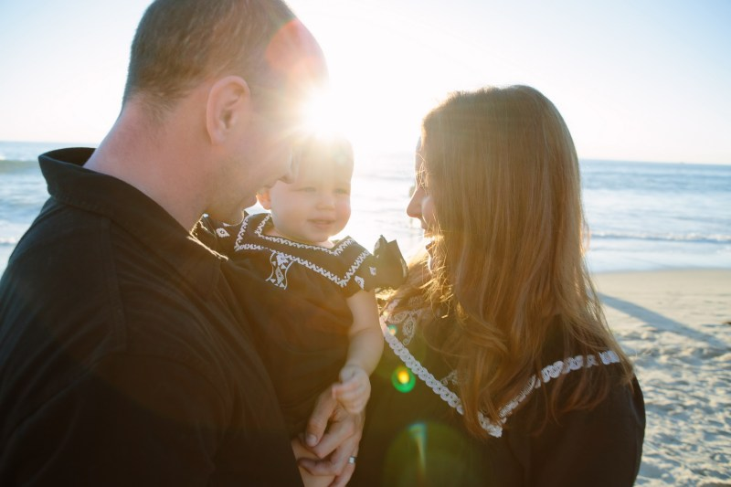 family beach photographer laguna beach crystal cove nicole caldwell01