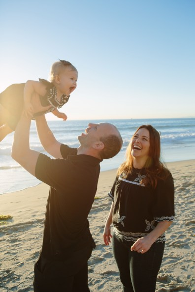 family beach photographer laguna beach crystal cove nicole caldwell02