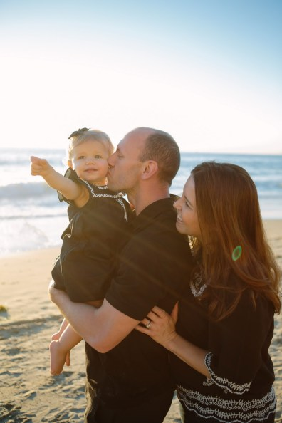 family beach photographer laguna beach crystal cove nicole caldwell03