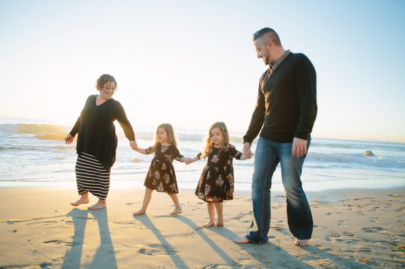 family beach photographer laguna beach crystal cove nicole caldwell22