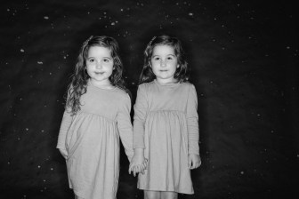 photos of twins in studio 01
