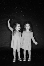 photos of twins in studio 06