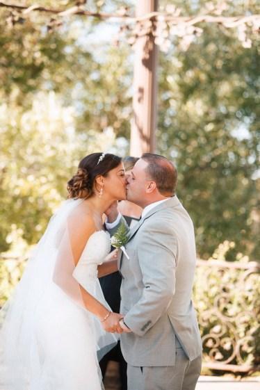 artistic temecula wedding photographer churon winery elopment kiss