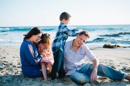 family_photography_laguna_beach_crystal_cove_nicole_caldwell05