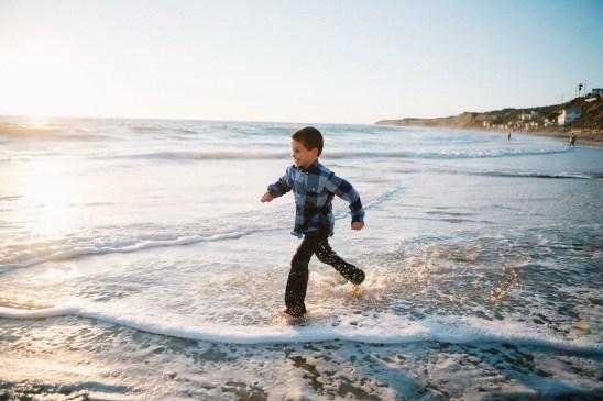 family_photography_laguna_beach_crystal_cove_nicole_caldwell15
