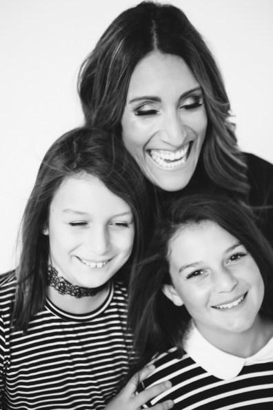 mother-daughter-photos-photogrphay-studio-nicole-caldwell-orange-county-10