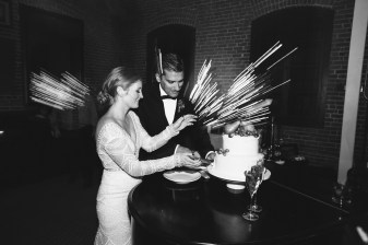 carondelet house wedding cake cutting
