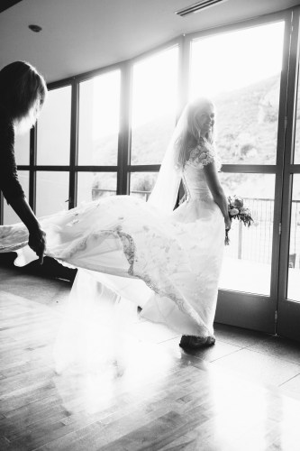 bride laguna beach wedding venue seven degrees photographer nicole caldwell