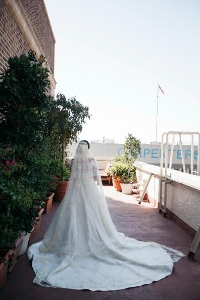 jonathan club downtown la weddings bride and groom nicole caldwell first look