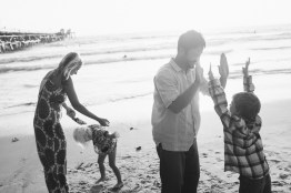 family photographer san clemente pier nicole caldwell 06