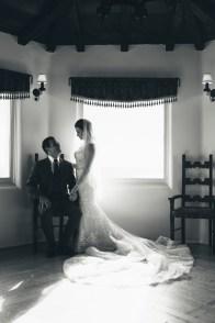 casa romantica san clemente wedding photographer artistic bride and groom