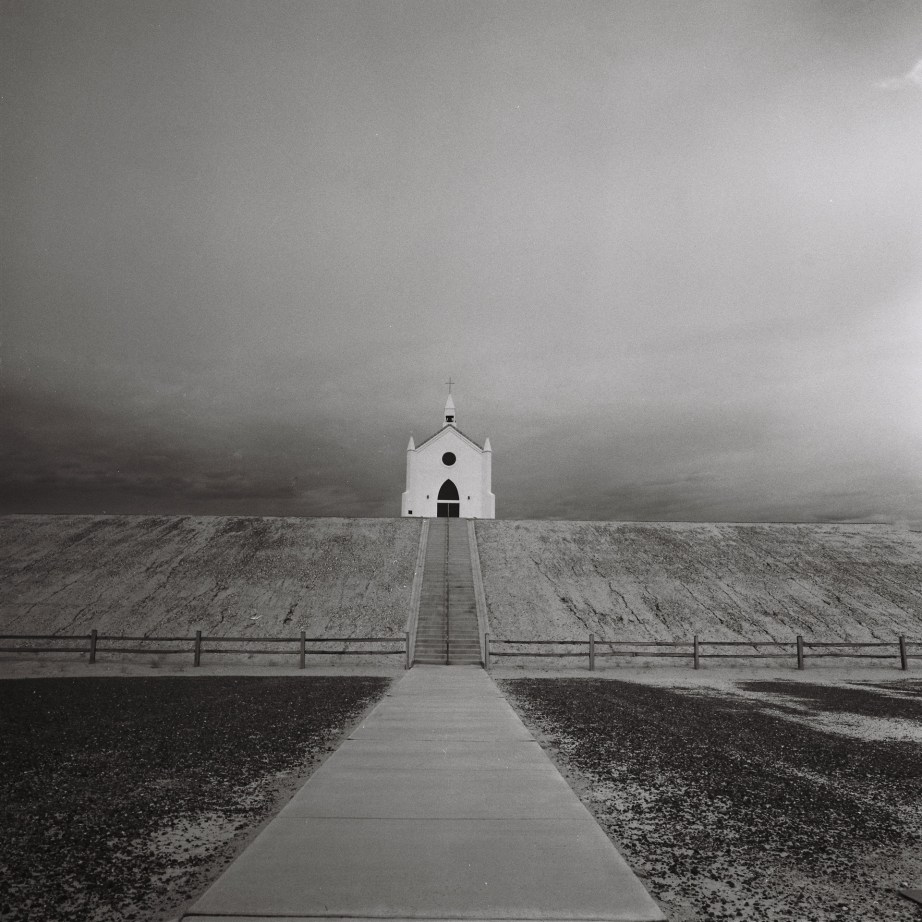infrared_film_rollei_center_of_the_wrold_felicity_ca_nicole_caldwell01
