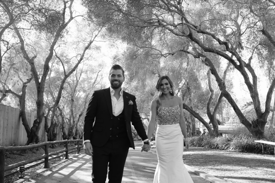 couple walking in santa barabara zoo wedding and engagement pictures