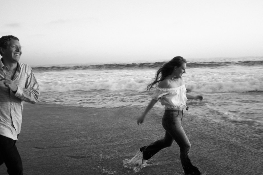 engagement photos in laguna beach nicole caldwell photographer11