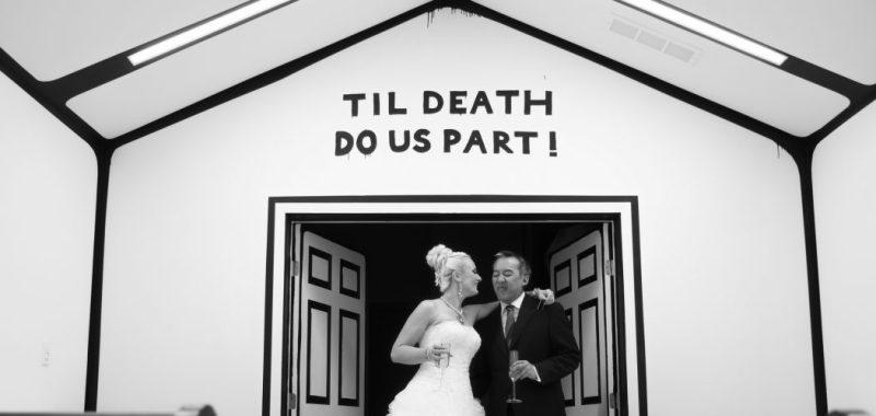 cropped-Las_vegas_wedding_trash_the_dress_10_year_anniversary_nicole_caldwell_photographer40.jpg