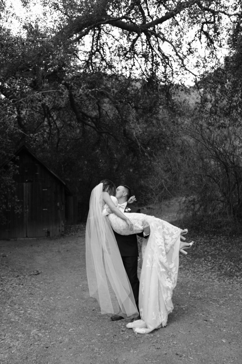 temecula creek inn weddings romatic rustic photojournailism nicole caldwell 49