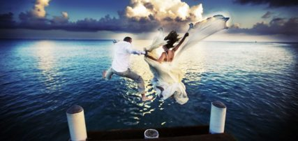 cropped-desitantion_wedding_grand_cayman_islands_ritz_carlotn_by_nicole_caldwell111.jpg