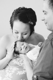 newborn-photography-in-the-home-by-nicole-caldwell-08