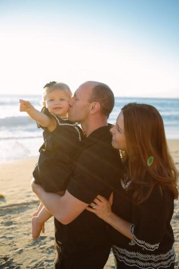 family beach photographer laguna beach crystal cove nicole caldwell03