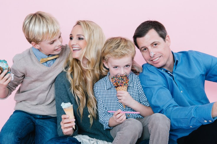 fun different family photos ice cream studio photographs nicole caldwell 15
