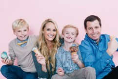 fun different family photos ice cream studio photographs nicole caldwell 18