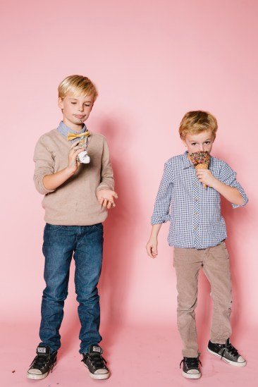 fun different family photos ice cream studio photographs nicole caldwell 22