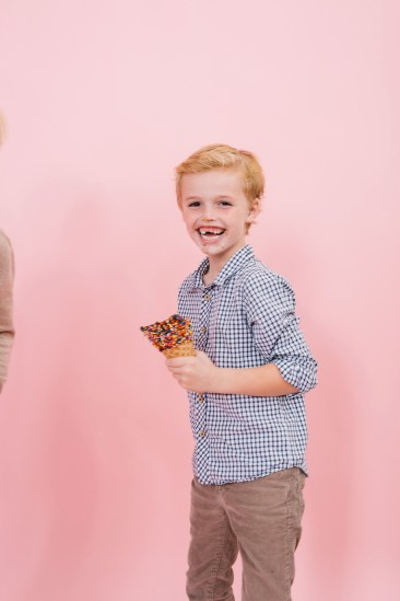 fun different family photos ice cream studio photographs nicole caldwell 28