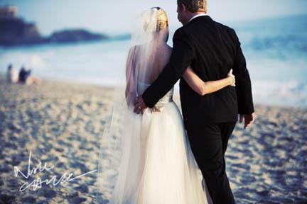 surf_and_sand_wedding_pictures__aguna_beach_ny_nicole_caldwell_ts_01.jpg