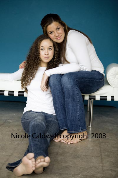 photography_by_nicole_caldwell_o1_in_laguna_beach_studio.jpg