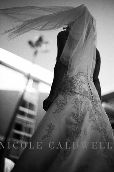 wedding_photography_by_nicole_caldwell_surf_and_sand_17.jpg