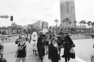 comic-con-san-diego-black-and-white-film-photographs-Nicole-Caldwell-37