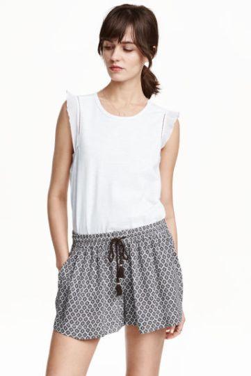 H&M - camiseta con volantes
