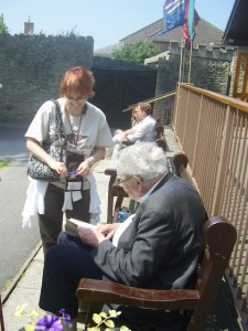 Me fangirling over Geoffrey Ashe autographing my copy of one of his books.