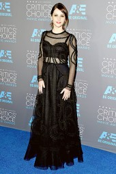 I was on the fence about this one. I love this dress, just not on Felicity Jones.