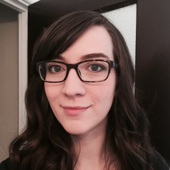 A photograph of Nicole Haloupek, a professional science writer and scientific consultant based in Philadelphia, PA.
