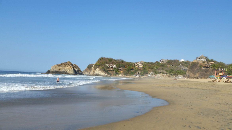cheap beach towns zipolite