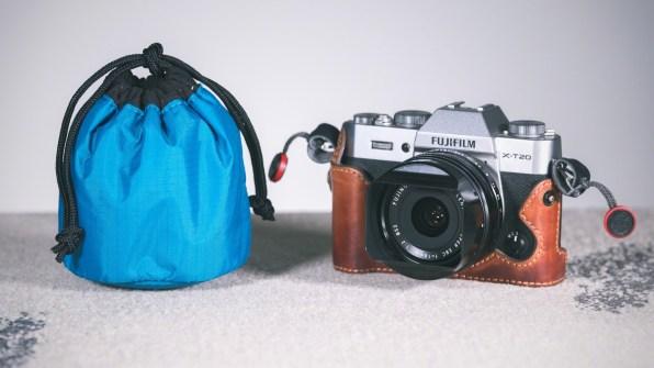 The Tamrac Goblin 1.0 lens pouch alongside a Fujfiilm X-T20 camera and 18mm lens. © Nicole S. Young (nicolesy.com)