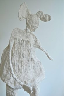 About the importance of lightness' ( Wire, fabric and porcelain-like casting compound, 170 x 60 x 45 cm)
