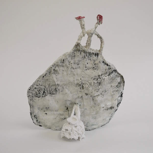 Nomadic Vase 'Stay True' -back view (porcelain-like casting compound, wax, pigments, height 45 cm)