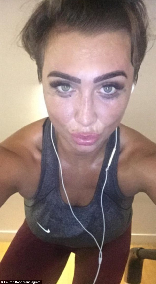 lauren-goodger-shes-sweaty-selfie-after-gym-workout