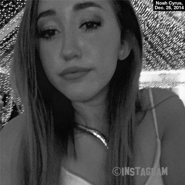 Noah Cyrus Has Just Landed Massive Record Deal!