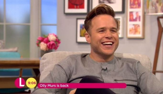Olly Murs Flashes His Bottom On ITV's Lorraine