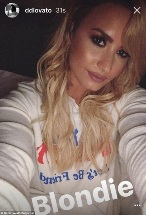 Demi Lovato Goes Blonde