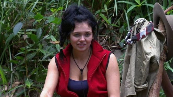 Gogglebox Viewers Not Happy With Them Not Showing Scarlett Moffatt On I'm A Celebrity