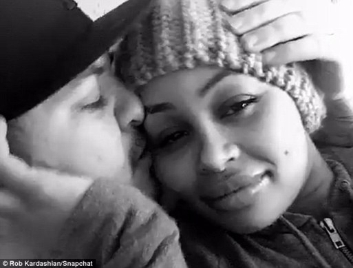 Rob Kardashian And Blac Chyna Snog On Snapchat As He Thousands Of Pound At Her Face!